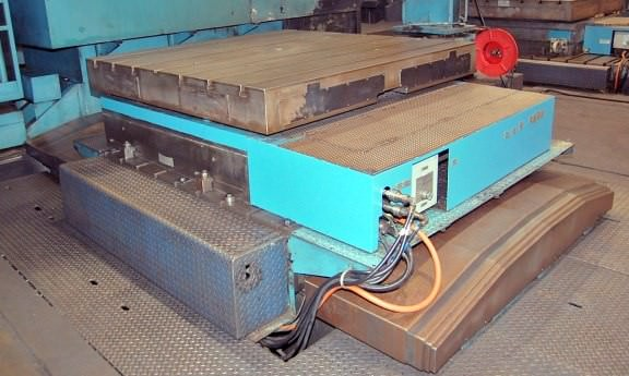 72-x-72-Giddings-&-Lewis-CNC-Rotary-Table-&-Infeeding-Slide
