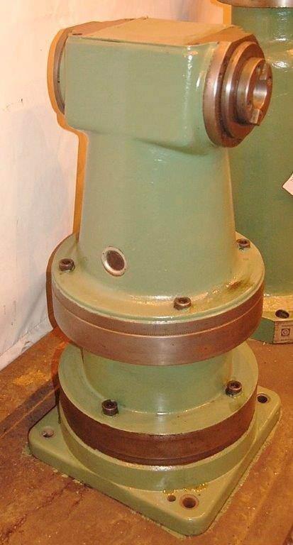 Right Angle Milling Attachment for 40 Taper Boring Mill  -23425b