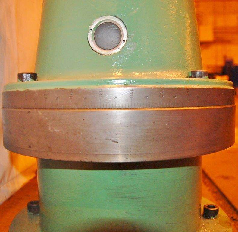 Right Angle Milling Attachment for 40 Taper Boring Mill  -23425d
