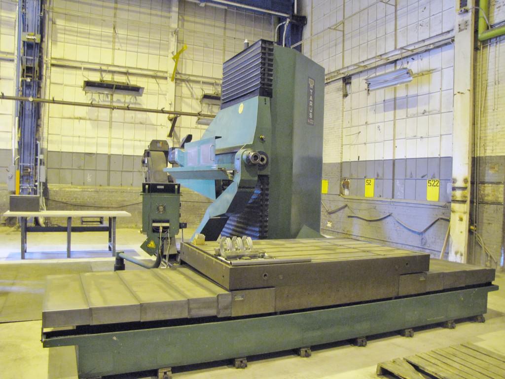 Tarus-CNC-Traveling-Table-Gun-Drilling-Machine