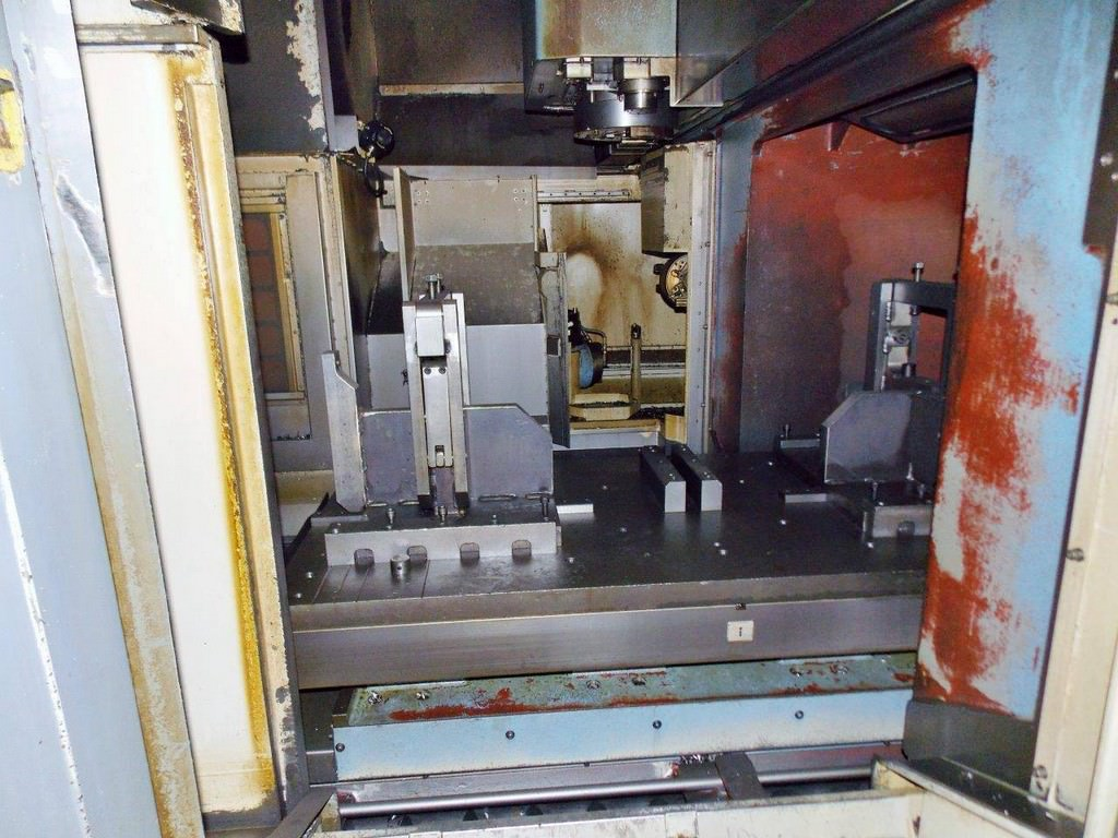 MAZAK Versatech V40 CNC 5-Face Double Column Vertical Machining Center-25057i