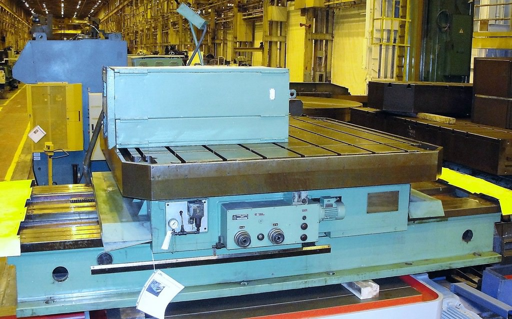 TOS-ISO16-86-x-86-Infeeding-Power-Rotary-Table