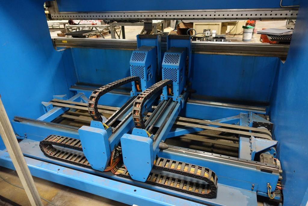 Finn Power B125-3060-GE UH6 138 Ton 8-Axis CNC Press Brake-28456c