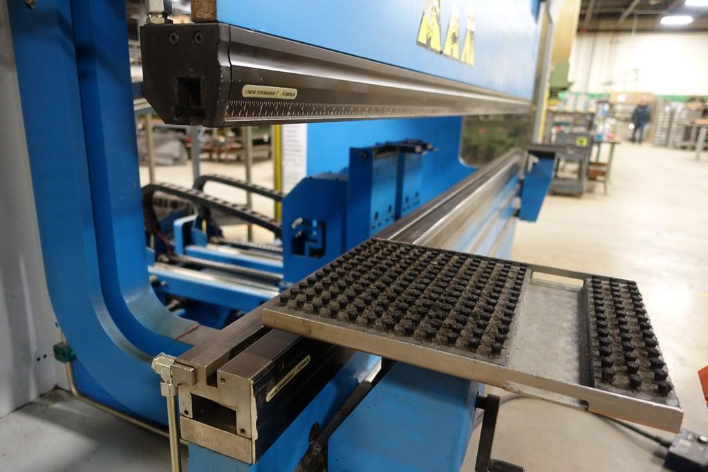 Finn Power B125-3060-GE UH6 138 Ton 8-Axis CNC Press Brake-28456f