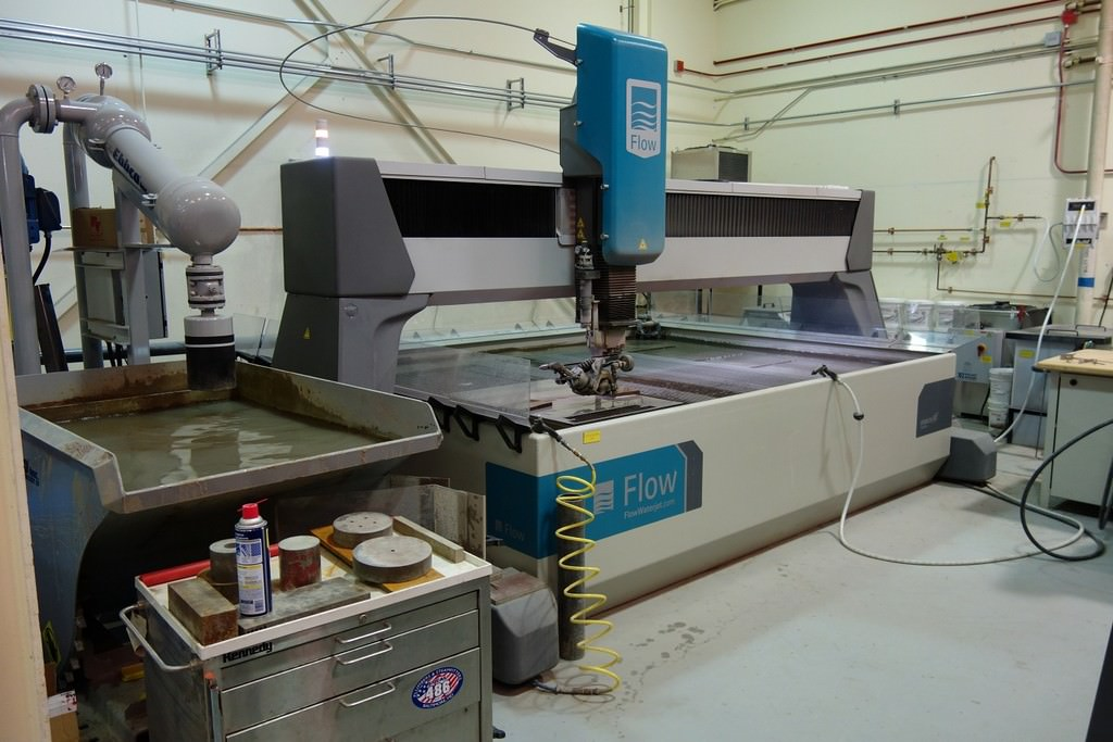 Flow-Mach-4-3020C-6-x-10-CNC-Water-Jet-Cutting-System