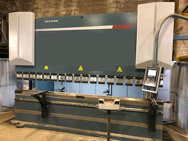 DURMA-AD-R-37220-220-Ton-3-Axis-CNC-Hydraulic-Press-Brake
