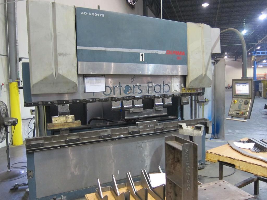 Durma-AD-S-30175-192.5-Ton-x-10-CNC-Hydraulic-Press-Brake