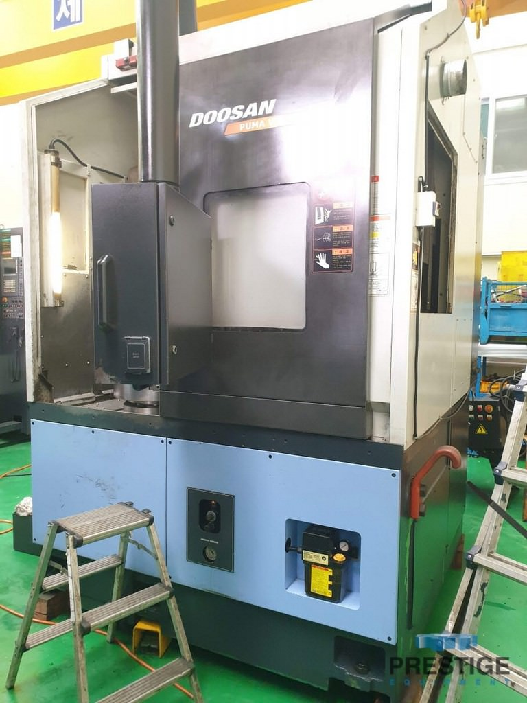 Doosan-V550-31.5-CNC-Vertical-Turning-Center