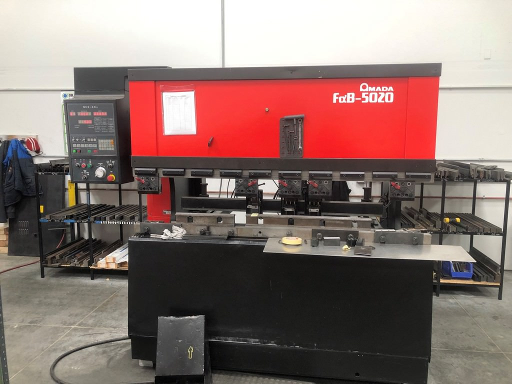 Amada-FBD-5020-55-Ton-x-6-3-Axis-CNC-Hydraulic-Press-Brake