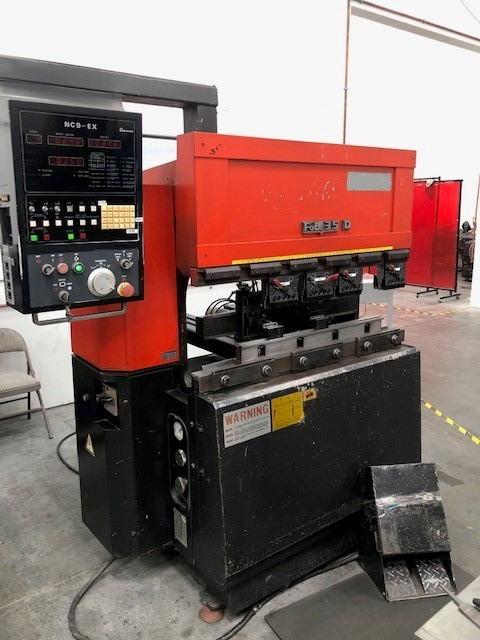Amada-FBD-3512E-35-Ton-x-4-3-Axis-CNC-Hydraulic-Press-Brake