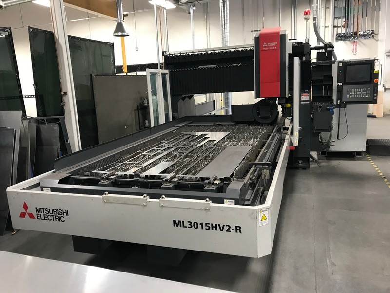 Mitsubishi-ML3015HV2-R-4500-Watt-CNC-Hybrid-Laser-with-Rotary-Axis