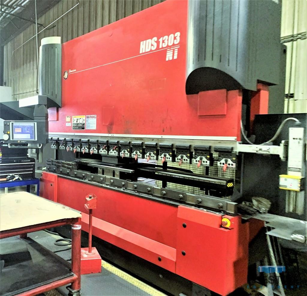 Amada-HDS-1303NT-143-Ton-8-Axis-CNC-Down-Acting-Hydraulic-Press-Brake