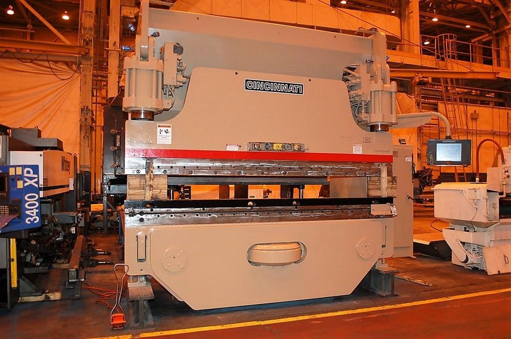 Cincinnati-350-Ton-Autoform-3-Axis-CNC-Hydraulic-Press-Brake
