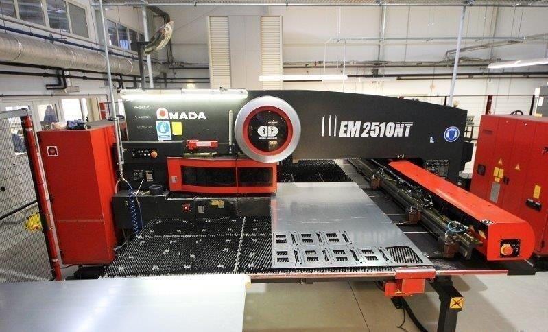 AMADA-EM-2510NT-22-Ton-CNC-Turret-Punch