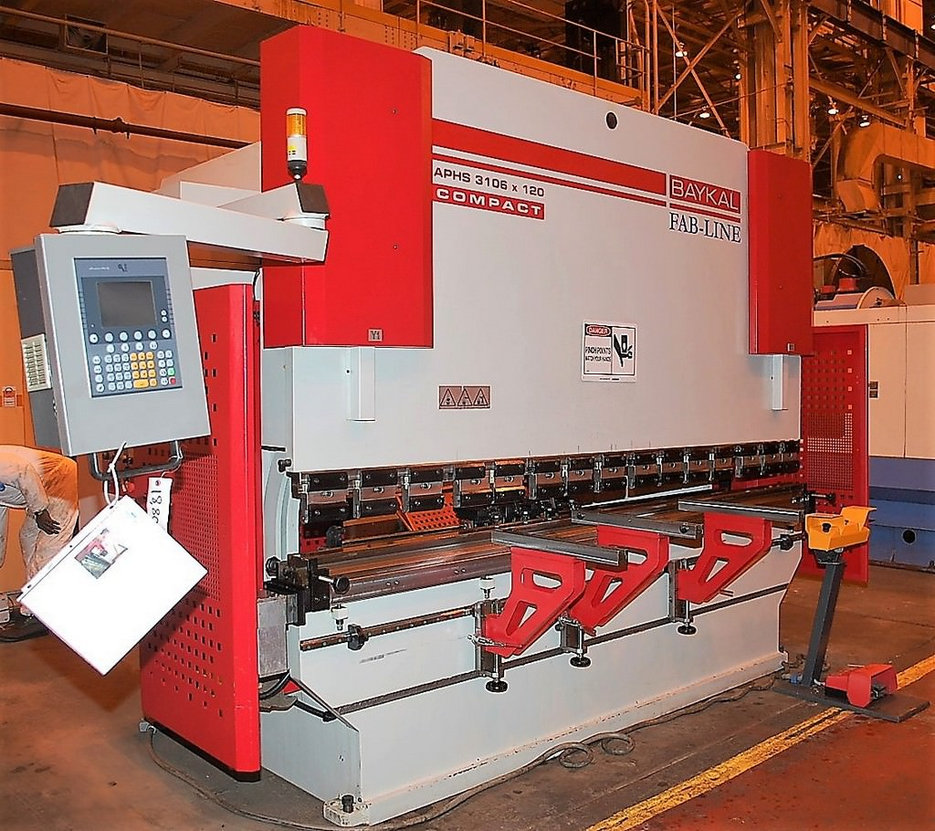Baykal-APHS-3106x120-135-Ton-4-Axis-CNC-Press-Brake