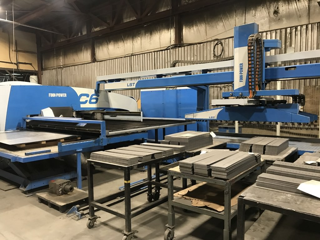 Finn-Power-C6-33-Ton-CNC-Punch-W-LST6-Loading-and-Stacking-Robot