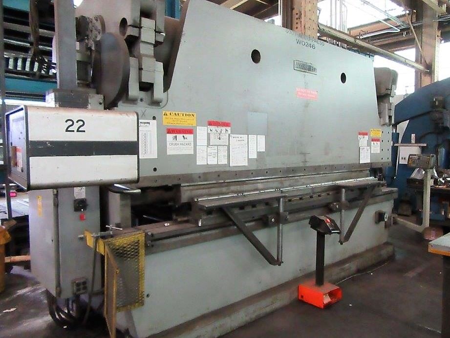 Accurpress-400-Ton-x-14-740014-CNC-Press-Brake