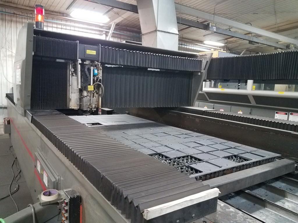 3500-Watt-Cincinnati-Dual-Pallet-CNC-Slab-Laser