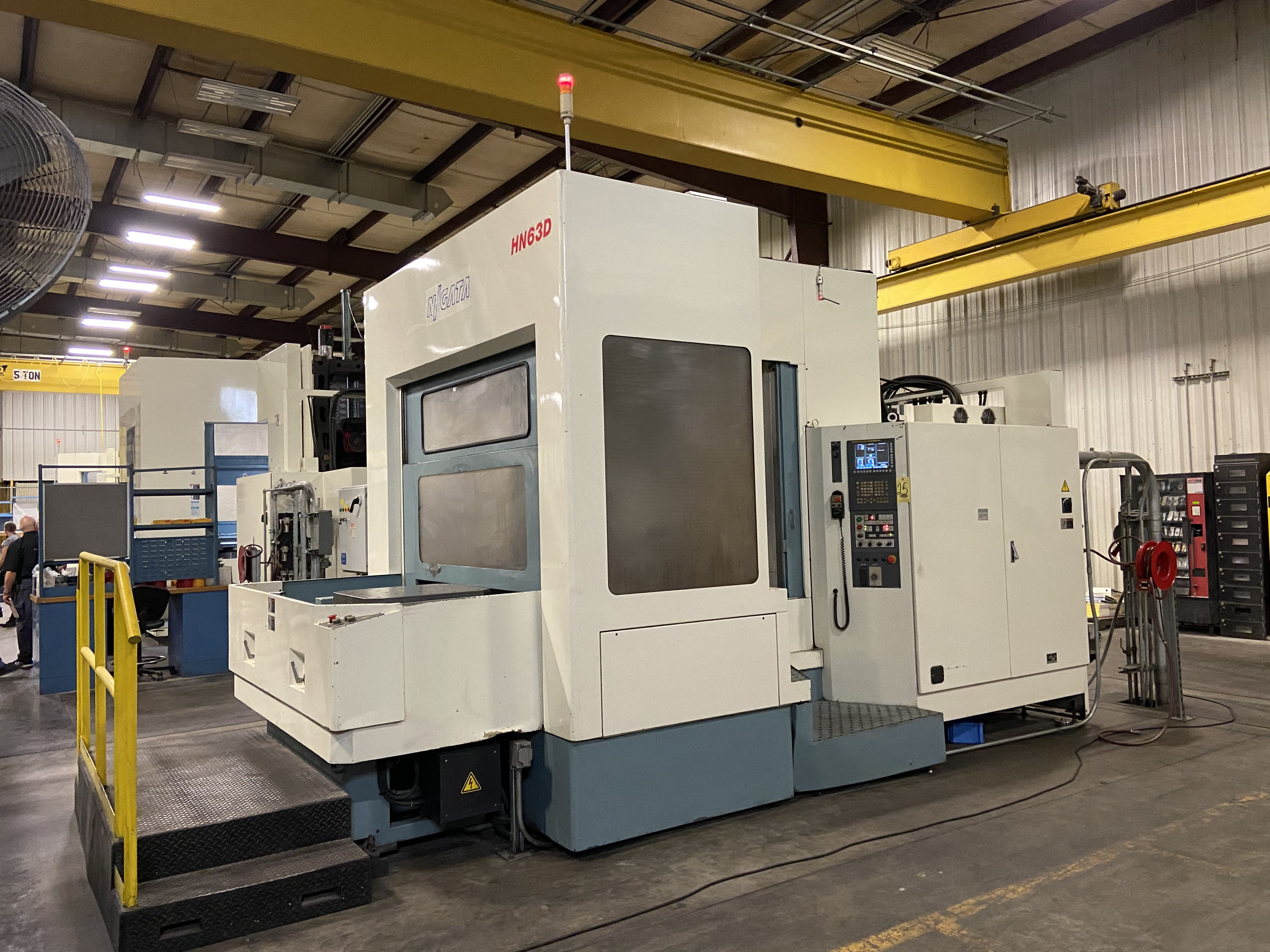 Used CNC HORIZONTAL MACHINING CENTERS